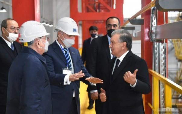 Президент ознакомился с возможностями Ташкентского металлургического завода