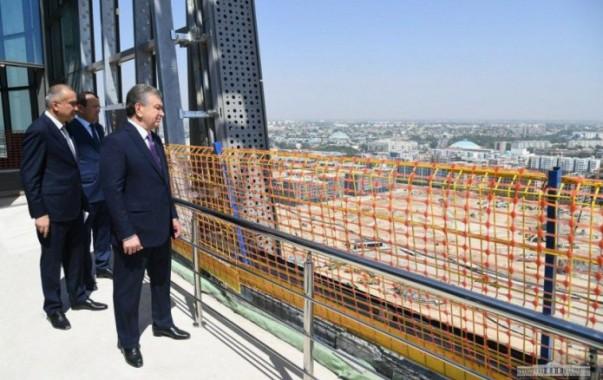 Президент Шавкат Мирзиёев посетил строительную площадку Tashkent City