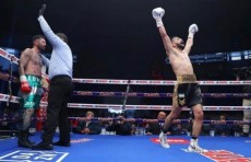 Шахрам Гиясов одержал победу над Эдгаром Пуэрто техническим нокаутом