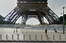 Вокруг Эйфелевой башни начали возводить трехметровую пуленепробиваемую стену