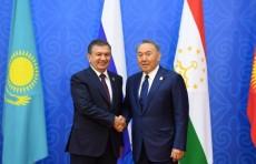 Президенты Узбекистана и Казахстана обменялись поздравительными посланиями