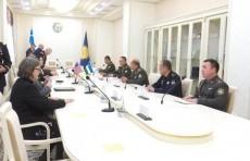 Главы Минобороны Узбекистана и Центкома ВС США провели переговоры