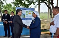 Президент провел встречу с фермерами Алтыарыкского района