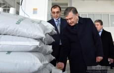 Президент ознакомился с социально-экономическими проектами в Сурхандарьинской области