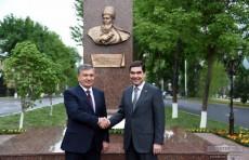 Главы Узбекистана и Туркменистана посетили улицу Махтумкули