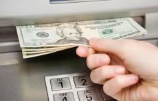 В Узбекистане разрешат снимать наличную валюту с конверсионных карт