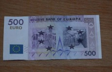 В Ташкенте задержали мужчину при попытке обменять 29 тыс. поддельных евро