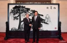 Президент Шавкат Мирзиёев провел встречу с главой парламента Китая