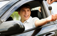 В Узбекистане предложили выдавать водительские удостоверения с 16 лет
