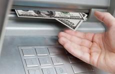 ЦБ прокомментировал информацию о запрете на снятие наличной иностранной валюты в банкоматах