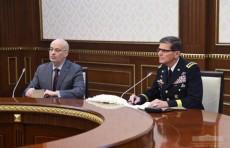 Президент принял командующего Центральным командованием Вооружённых Сил США