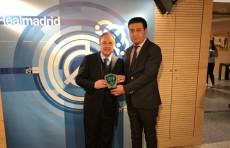 Умид Ахмаджонов встретился с президентом ФК «Реал» Флорентино Пересом