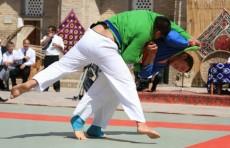 Среди работников госорганов будет проводиться конкурс «Узбек полвони»