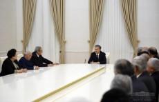 Президент Шавкат Мирзиёев побеседовал с аксакалами
