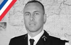 Обменявший себя на заложника жандарм скончался во Франции