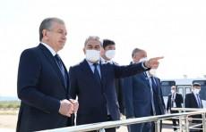 Шавкат Мирзиёев ознакомился со строительством моста через Амударью
