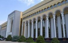 Множество узбекистанцев вновь скопились на границе РФ и Казахстана