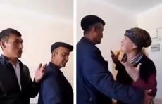 Бабушка одного из учеников дала пощечину учителю. Теперь на нее подали в суд