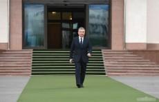 Шавкат Мирзиёев отбыл в Баку для участия в саммите Тюркского совета