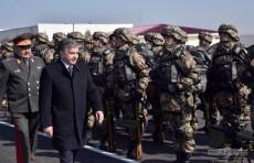 Президент посетил воинскую часть в Каганском районе