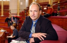 Создатель всемирной сети продал исходный код интернета за $5,4 млн