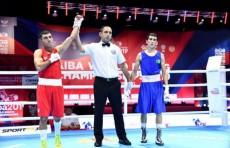 Элнур Абдураимов и Шахобиддин Зоиров начали ЧМ по боксу с побед