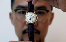 Золотые часы бывшего короля Египта выставляют на торги