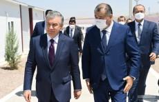 Президент осмотрел комплекс для проживания строителей медно-обогатительной фабрики АГМК