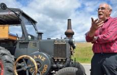 Пенсионер из Германии едет на ЧМ в Москву на старом тракторе