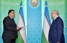 Глава МИД Абдулазиз Камилов принял нового посла Таджикистана