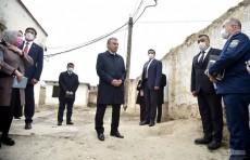 Президент посетил неблагополучную махаллю «Бунёдкор» и выслушал жалобы населения