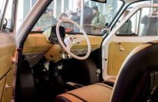 Тому Хэнксу подарили Fiat 126p прошлого века