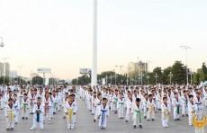 На площади «Дружбы народов» прошёл большой флэшмоб