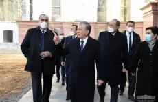 Президент Шавкат Мирзиёев осмотрел строящееся новое здание Сената
