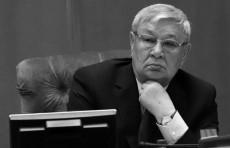 Президент выразил соболезнования в связи с кончиной Мусы Ерниязова