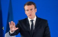 Видео: Во Франции мужчина дал пощечину президенту Эммануэлю Макрону