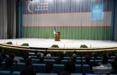 Президент: Высокий уровень государственного присутствия в экономике препятствует росту инвестиций