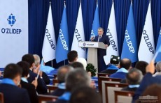 Шавкат Мирзиёев провел встречу с наманганскими избирателями