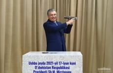 Президент заложил первый камень на месте строительства Нового Андижана