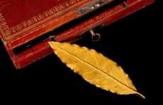 Золотой лист из короны Наполеона продан за 625 тысяч евро