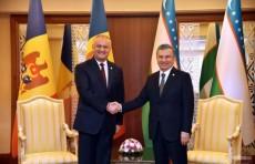 В Ашхабаде состоялась встреча Президентов Узбекистана и Молдовы