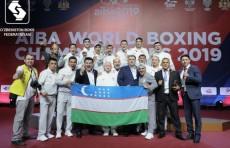 Президент наградил чемпионов мира по боксу и их тренеров