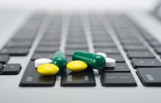В Узбекистане создадут сайт и приложение для покупки лекарств онлайн