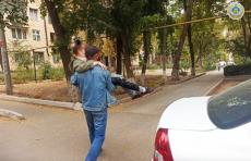 В Ташкенте женщина убирала квартиру под воздействием алкоголя и упала из окна