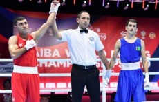 ЧМ по боксу: Шахобиддин Зоиров вышел в четвертьфинал чемпионата