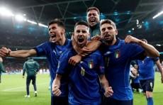 Скуадра остановила фурию. Италия стала первым финалистом ЕВРО-2020