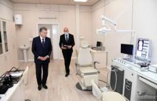 Шавкат Мирзиёев ознакомился со строительством новой больницы в Зангиатинском районе