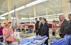 Президент поручил создать не менее двух швейных фабрик в каждом районе