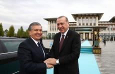 Шавкат Мирзиёев поздравил Реджепа Тайипа Эрдогана с днем рождения