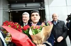 Чемпион Муроджон Ахмадалиев вернулся в Ташкент